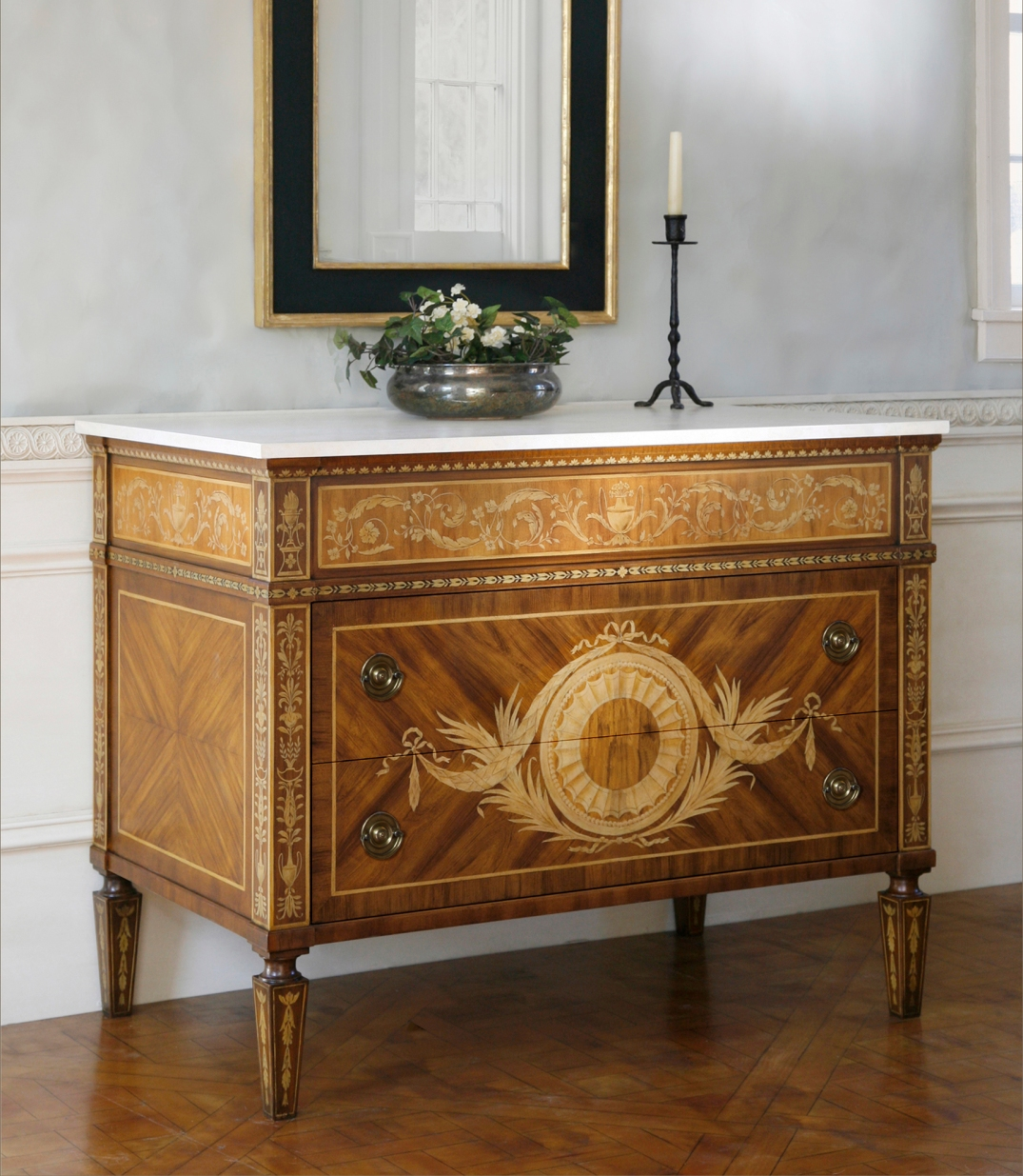 Italian Neoclassical faux marquetry commode cr