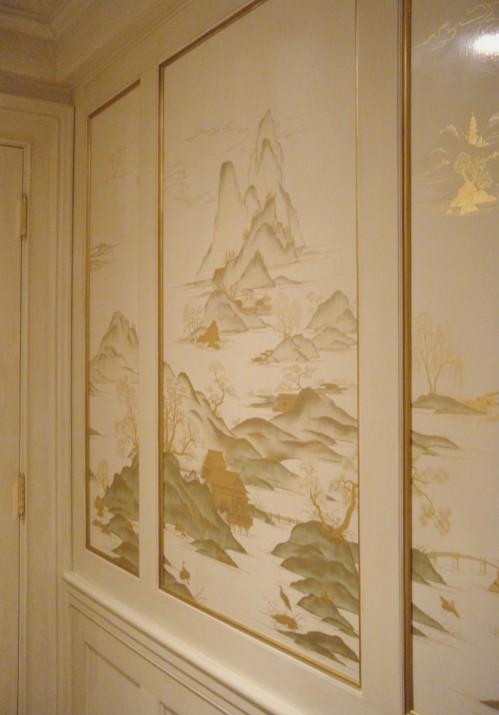 white lacquer mural on site DSCN2052_wpl